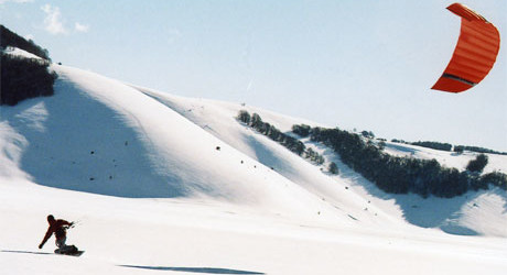Paesaggi lunari: Snowkiting