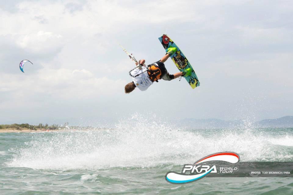 kitepoint news - vivari -pkra kitesurf - scuola kitesurf - corsi kitesurf anzio - corsi kitesurf roma - corsi kitesurf latina